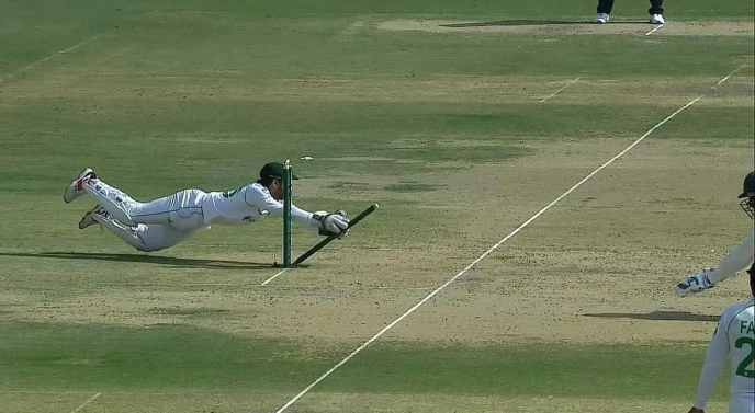 Pak vs SA Test: Pakistani bowlers work, guests' wickets fall apart in 1st inning