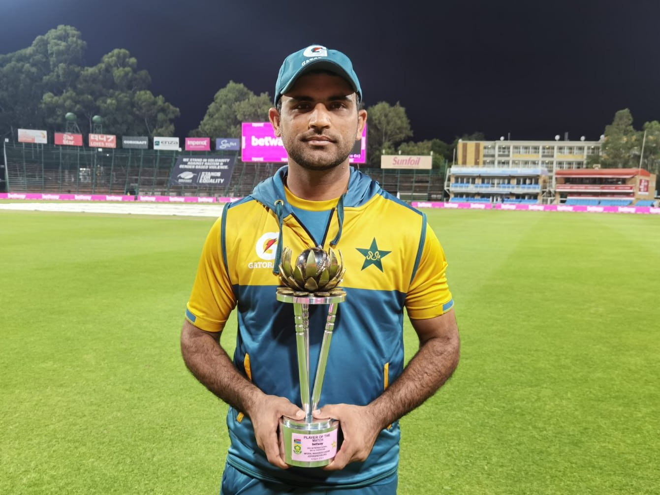 Fakhar Zaman's bombastic innings remain useless for Pakistan