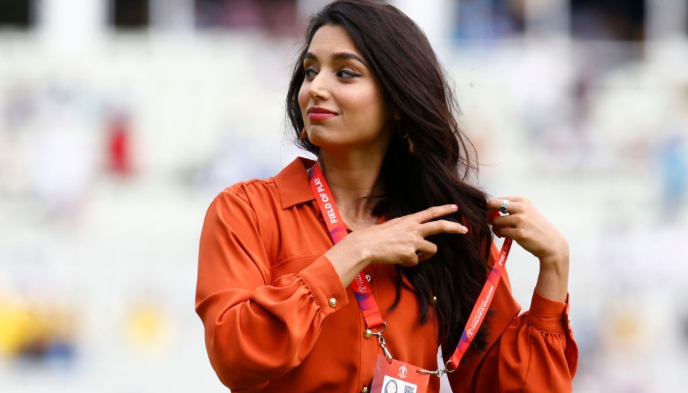 From makeup artist to cricket anchor, Zainab Abbas merits all tributes in the fraternity